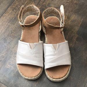 Toms Kids Gold Shimmer Sandals sz-3 big girl